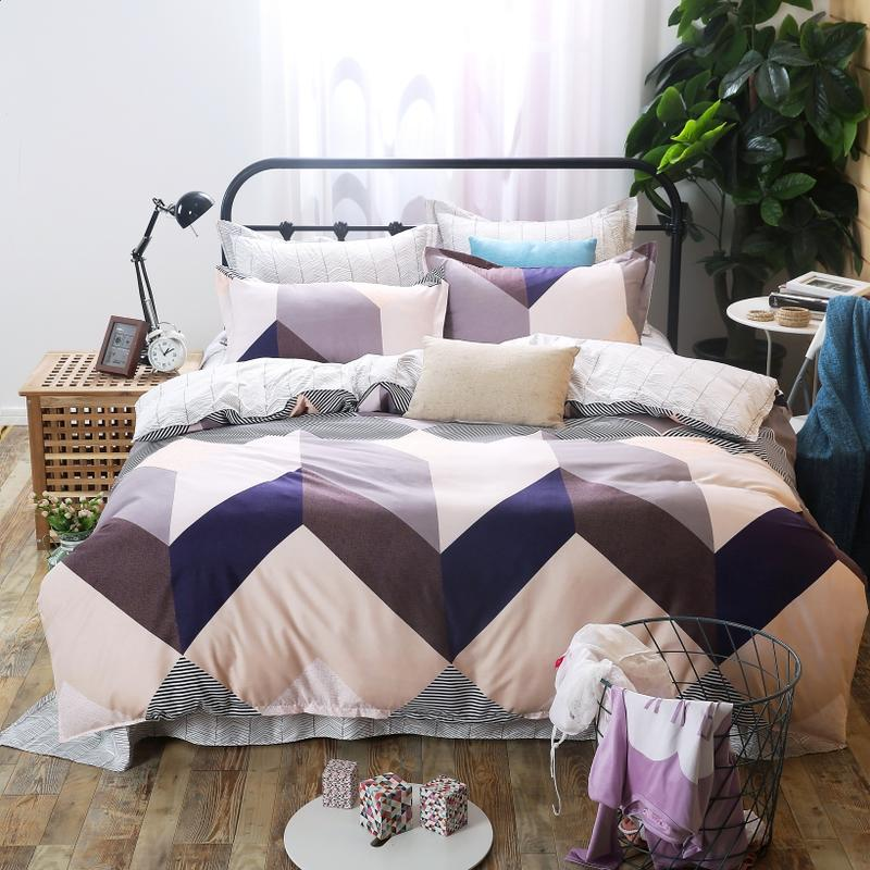 King Size Duvet Covers in Geometric Print Polyester